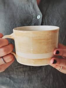 Bilde av Gul m Stripe - Latte Krus